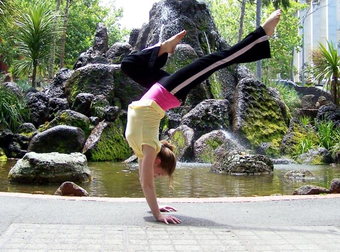 handstand-girl-1250986