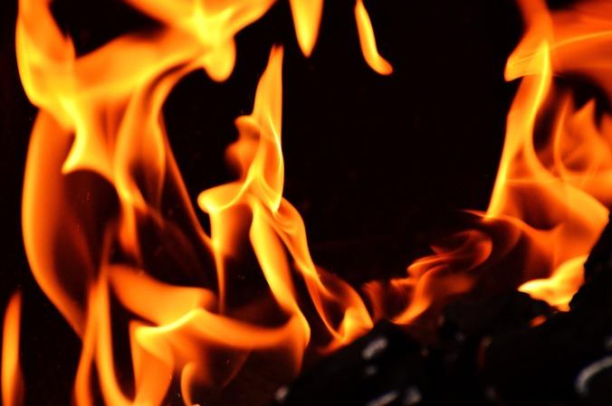 fire-2204171_1280