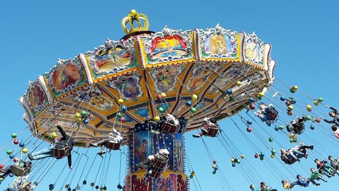 chain-carousel-2274009_1920