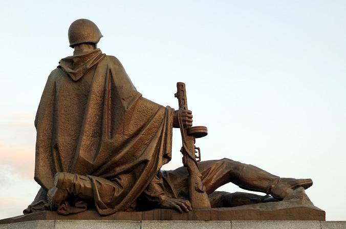 monument-2475606_1920