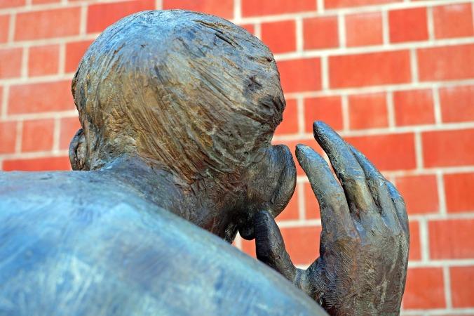 sculpture-2275202_1920