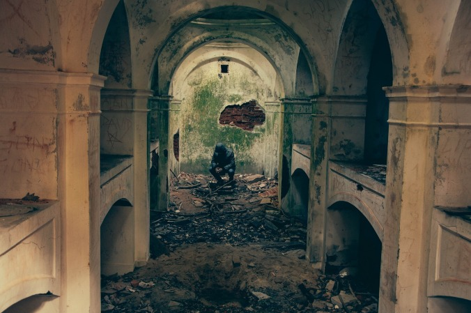 bombed-932108_1920