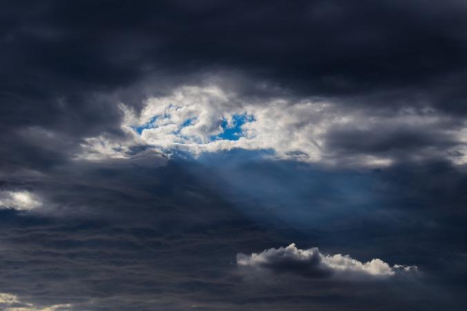 clouds-2909266_1920